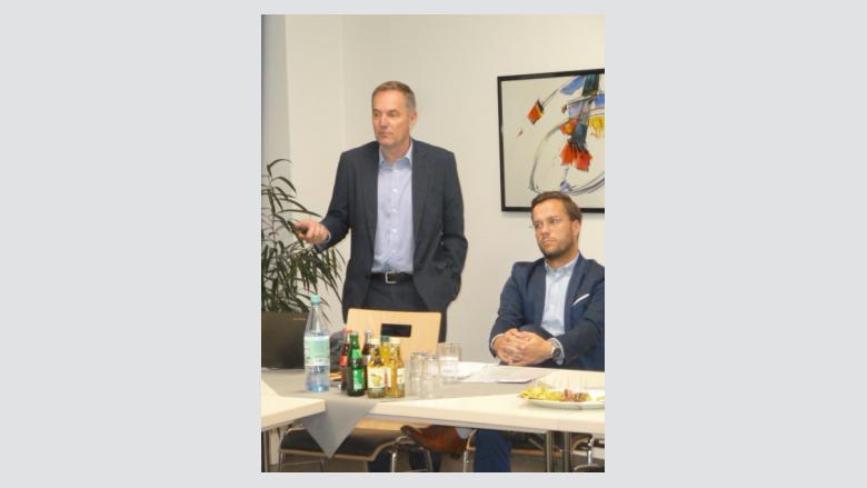 Gerd Laudwein und Jonas Grütering  informierten über die Folgen des Brexits